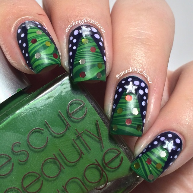 Christmas Nails Tutorial Youtube: TUTORIAL: Water Marbled Christmas Tree Holiday Nails